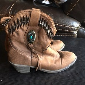 Rampage brown and turquoise boots